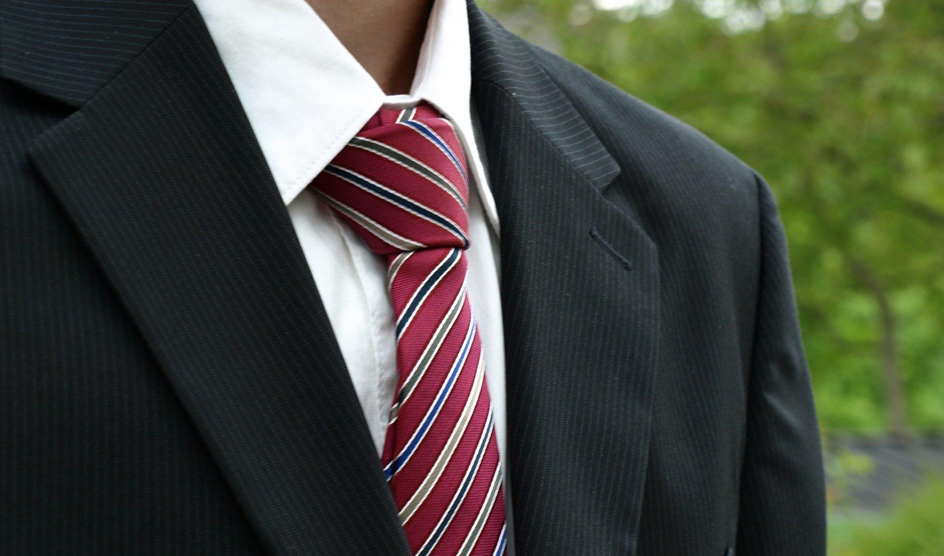 vázání kravaty poloviční windsor