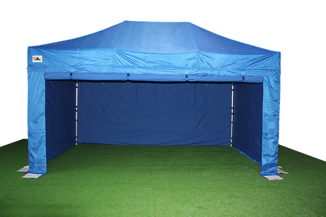 pop-up-gazebo-1070231_640