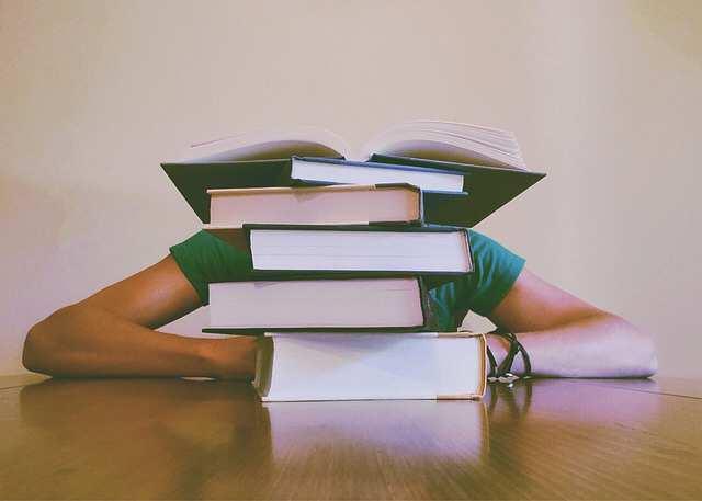Proč si nechat napsat seminární práci nebo diplomku ?